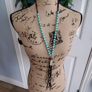 Fashion necklace with arrow and fringe